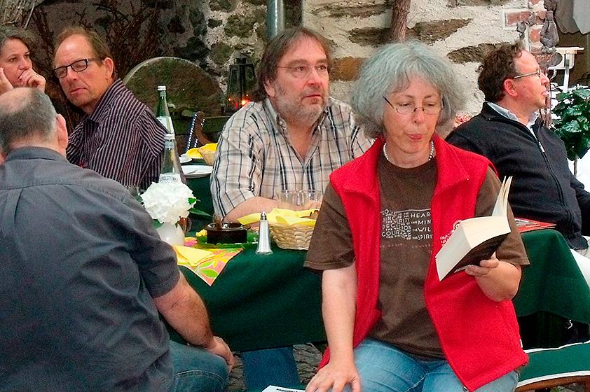 2012-Literarische-Wanderung-mit-Dorothee-Mendner-und-Gaesten.jpg